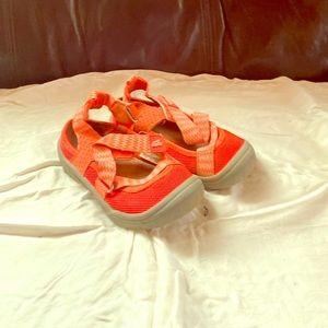 Oshkosh Size 10 Girls sandals